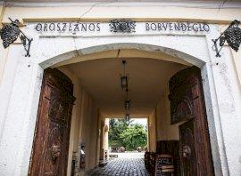 Oroszlános Borkonyha és Borhotel  - kedvező ajánlat